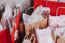 The 4 benefits of buying personalized gifts online